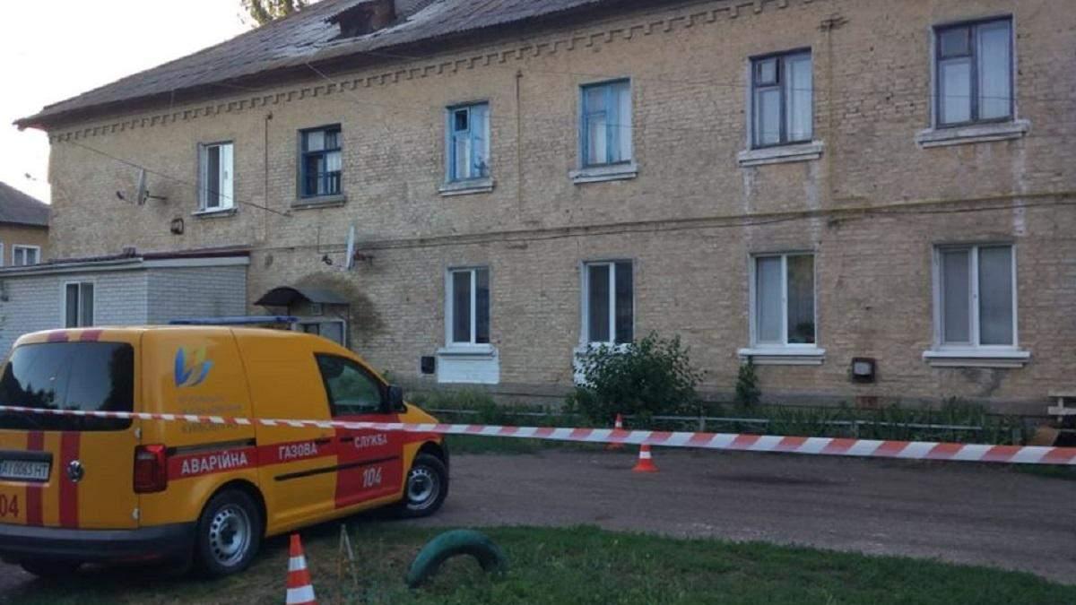 В многоквартирном доме под Киевом обрушилась крыша: фото и подробности