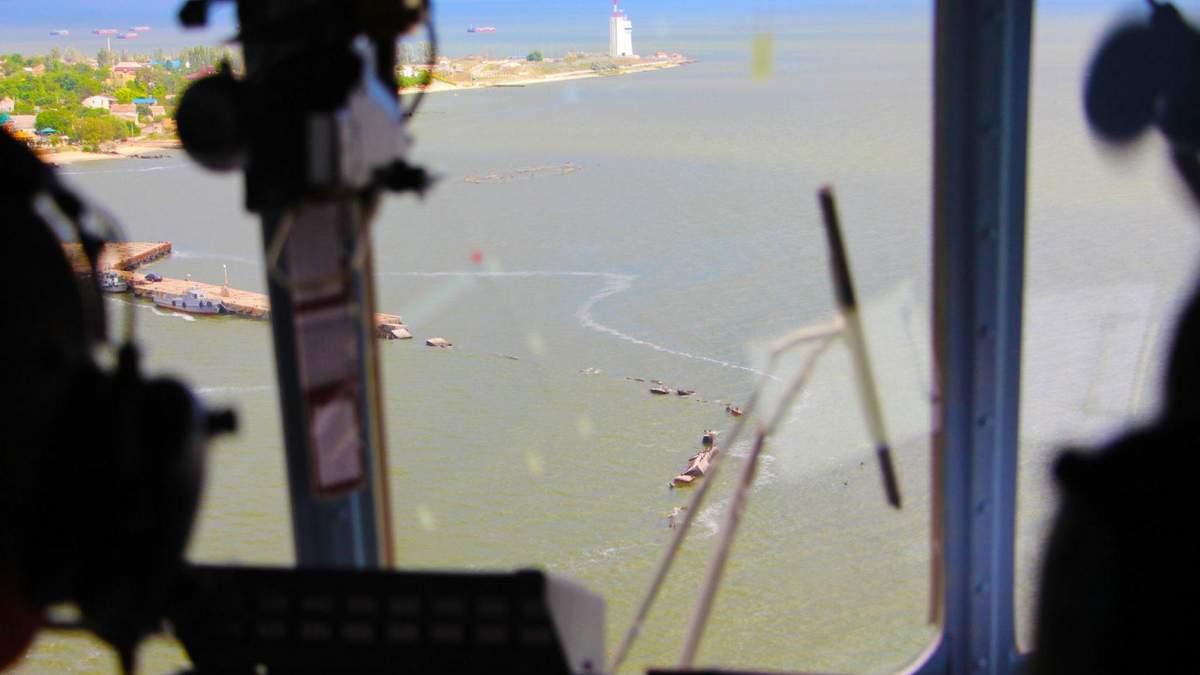 Навчання військової морської авіації України: показові фото