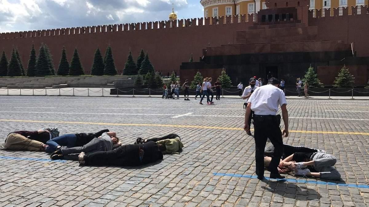 Число 2036 у стен Кремля
