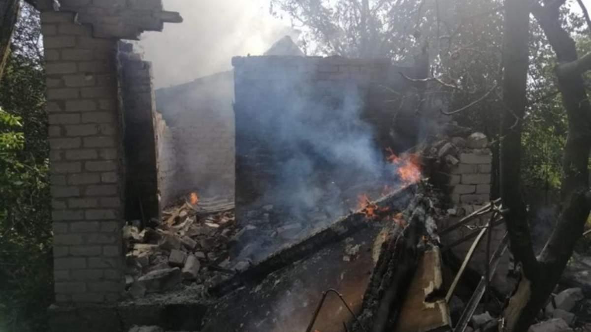 Обстрел дач боевиками в Авдеевке 3 июля 2020 - фото
