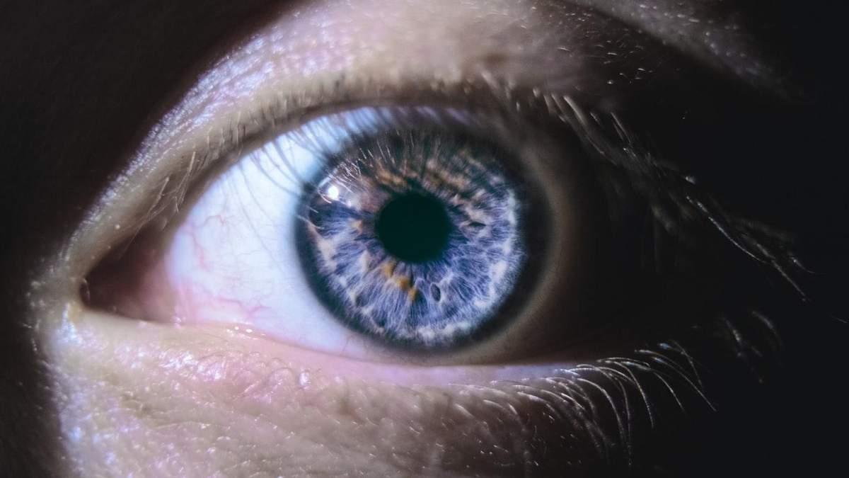 Функції очей може покращити глибоке червоне світло