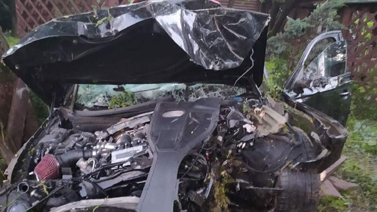 ДТП біля Львова 6.07.2020: є загиблий та троє поранених – фото