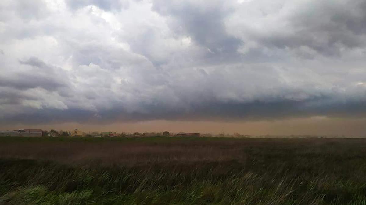 Піщана буря в Одеській області 7 липня 2020: фото, відео