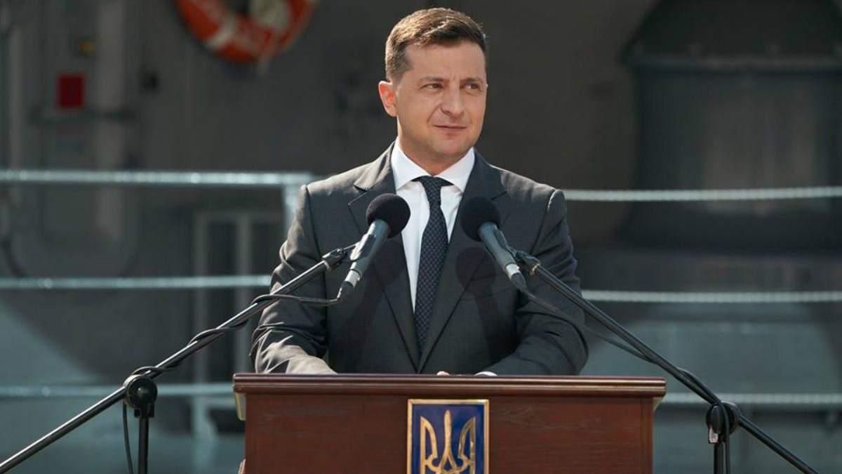 Зеленский продал землю и дом жене своего соратника за 13,47 миллиона гривен