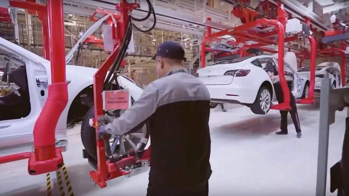 Tesla збудує ще один завод в Азії
