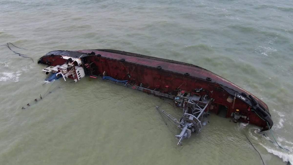 Аварія танкера Delfi під Одесою: скільки становить попередній розмір збитків – дані одеської Держекоінспекції