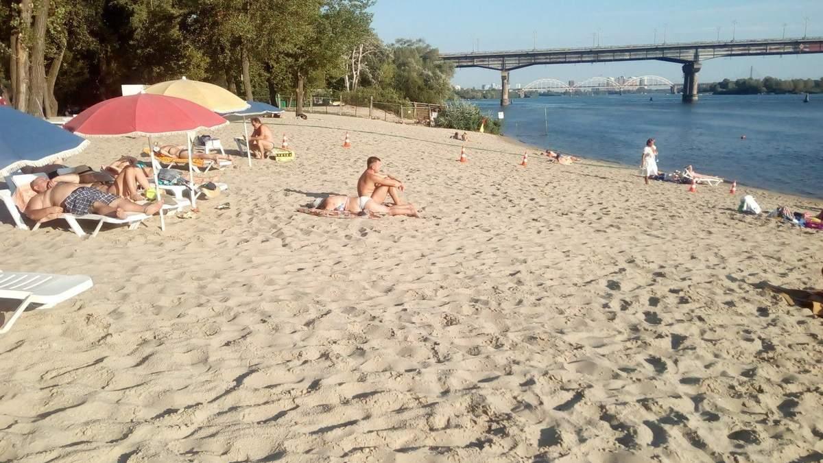 На пляжах Києва виявили кишкову паличку: перелік