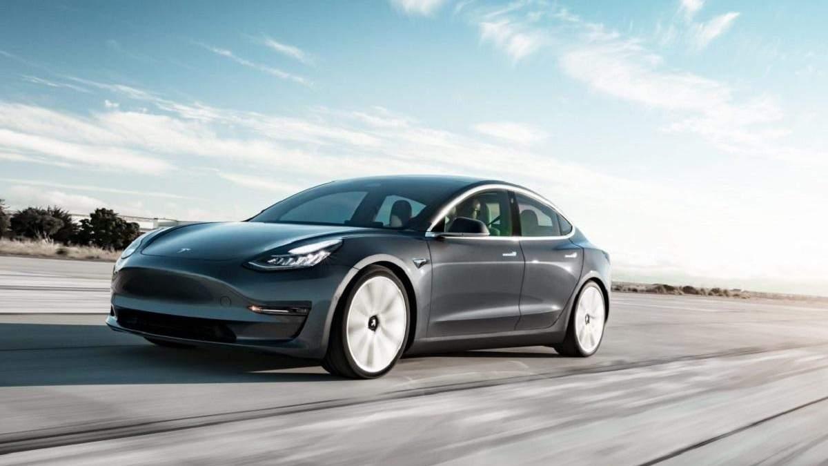 Автомобили Tesla на пути к полному автопилоту
