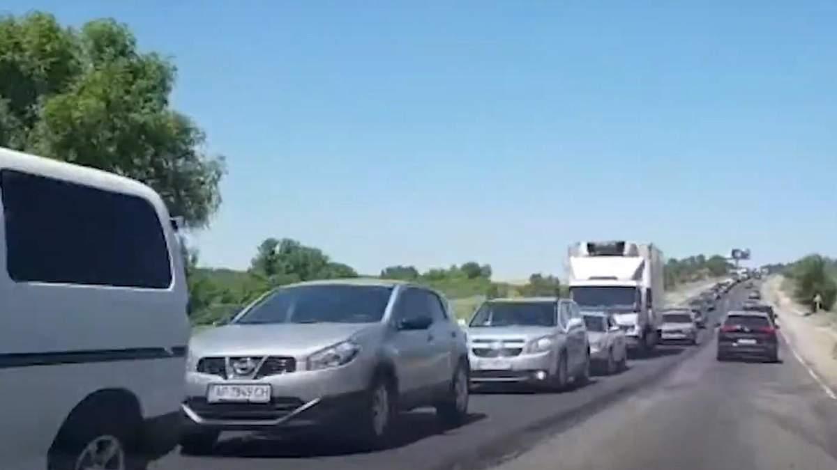 Пробки на трассе Харьков - Симферополь 11 июля 2020: причины и видео