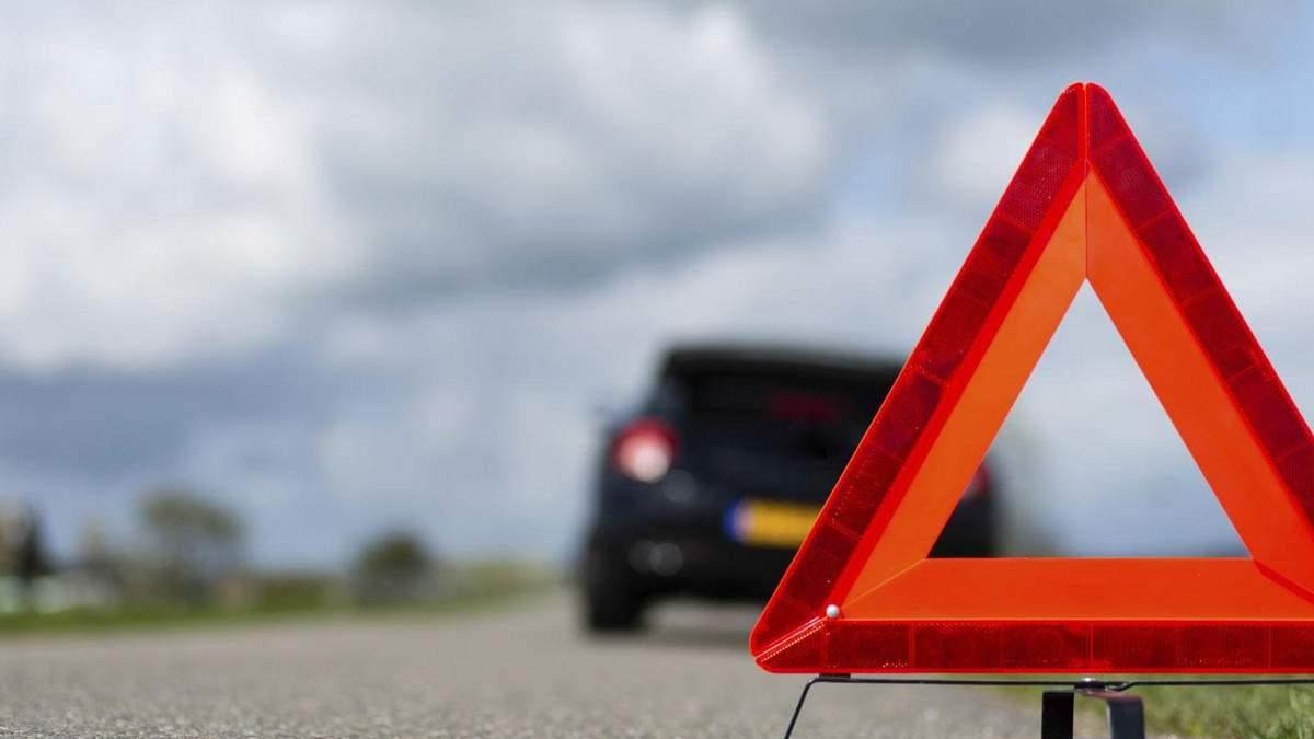 На Львівщині водієві стало зле за кермом