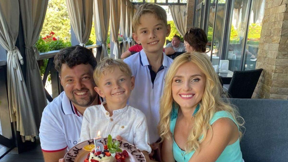 Ирина Федишин с мужем и детьми