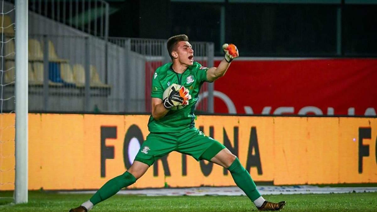 Михай Попа дважды отбил пенальти, но был удален