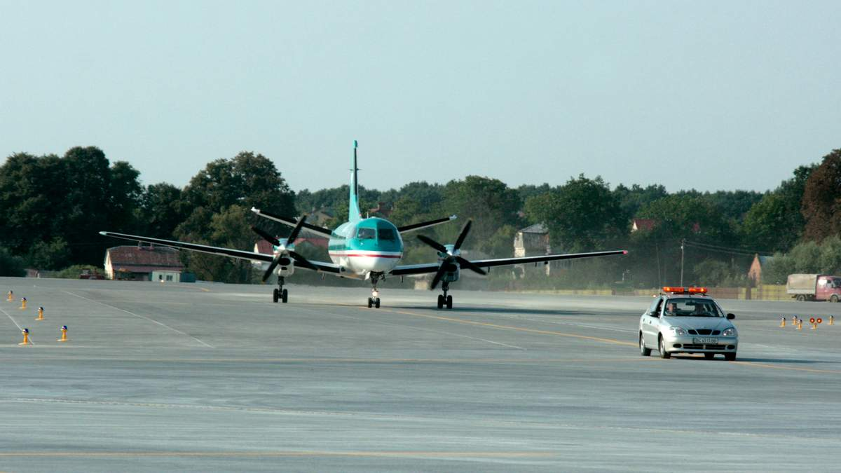 Рада проголосовала за сбор за вылет каждого пассажира: внутренний перелет – 0,5 доллара, для международных перевозок – 2 доллара