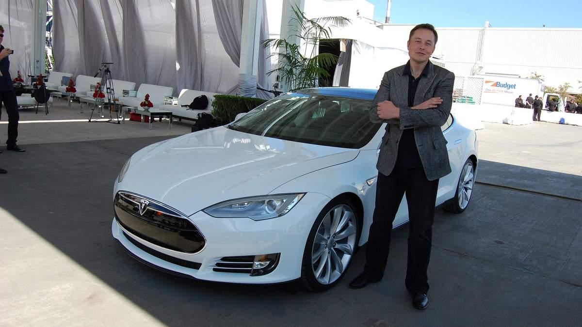 Компанія Tesla у S&P 500 – що це означатиме для ринку
