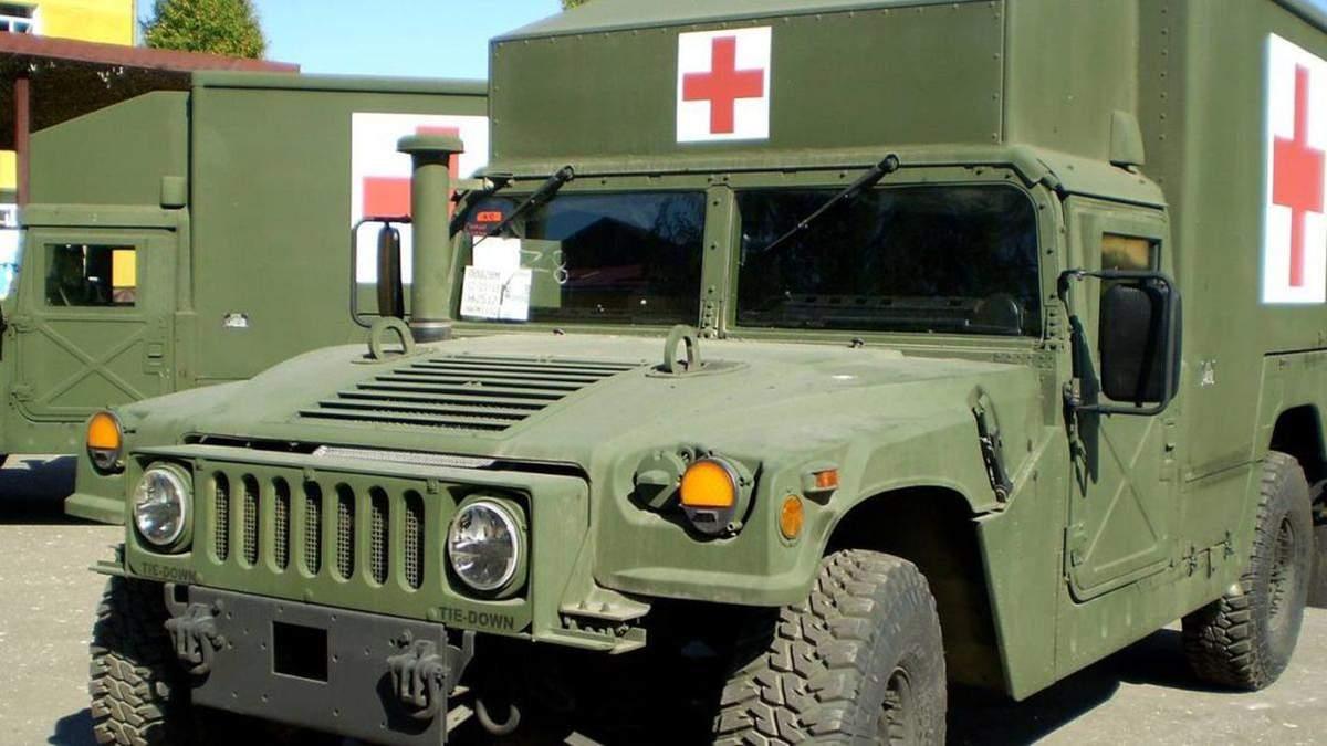 Бойовики обстріляли українську групу евакуації на Донбасі: загинув медик і ще одна людина, також двох військових поранено