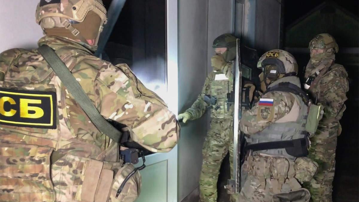 Російські силовики знущаються над затриманими в окупованому Криму