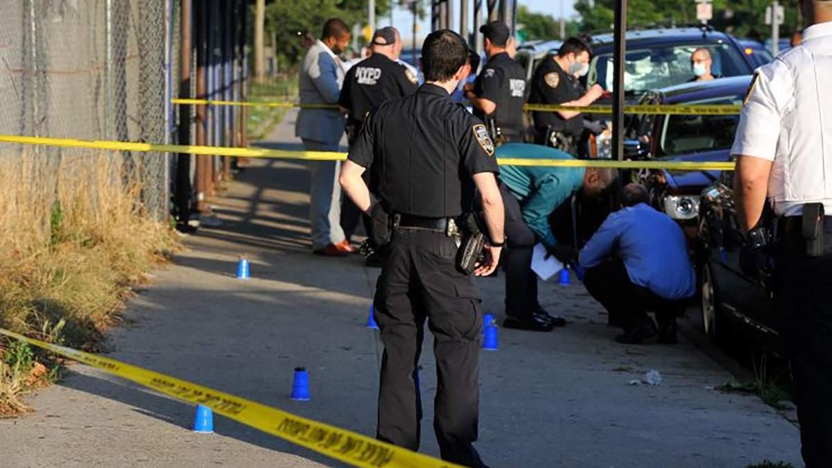 Чоловік їздив по Нью-Йорку та стріляв у перехожих: щонайменше 5 поранених