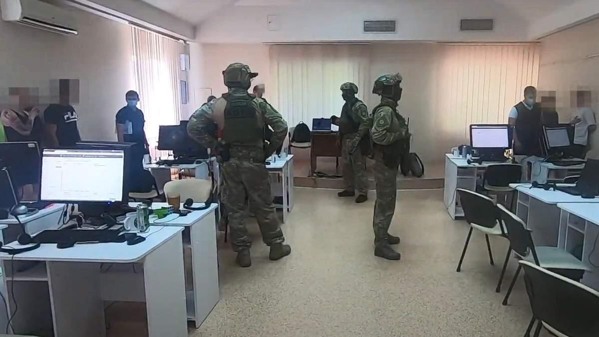 Масштабное мошенничество: в Одессе разоблачили колл-центр, который выманивал у людей деньги
