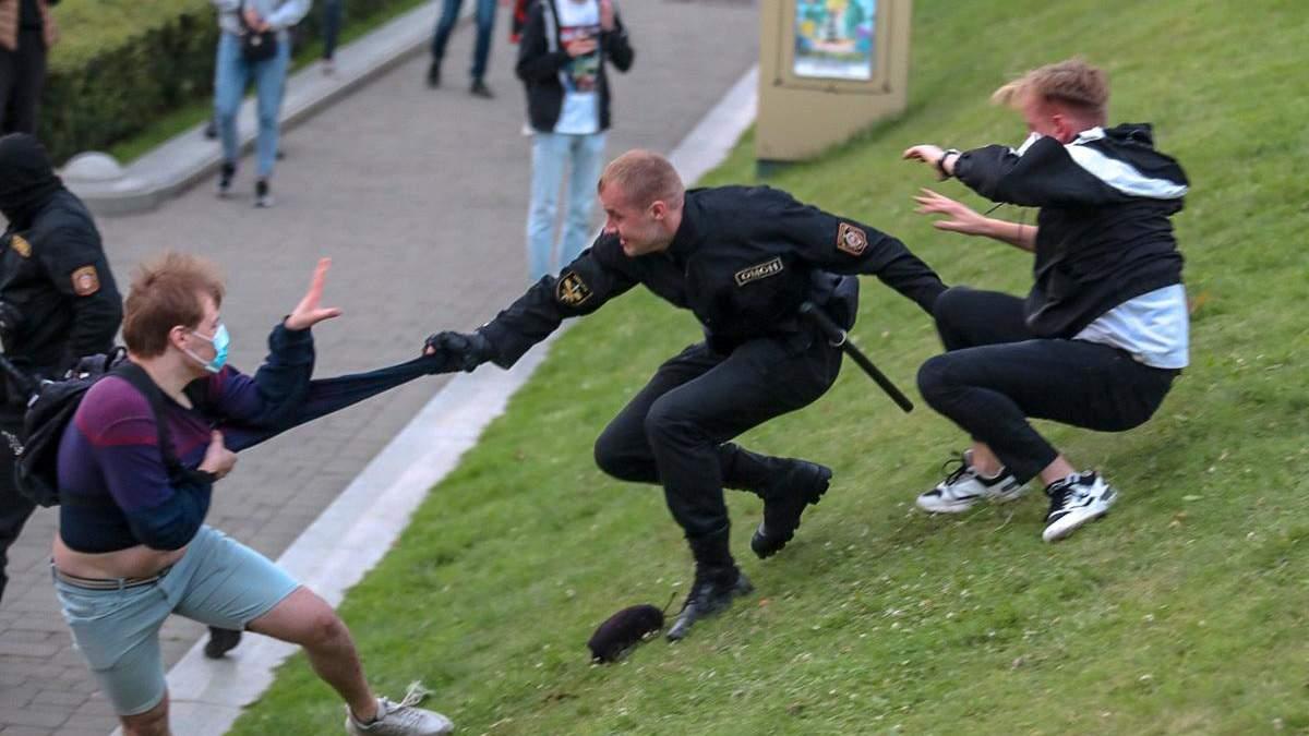 Страна протестует: что происходило вчера в городах Беларуси