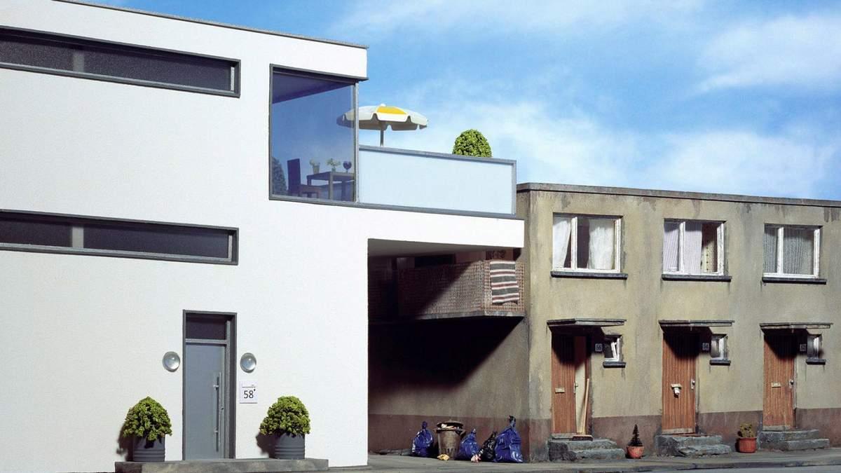 Фотограф пропонує сюрреалістичні архітектурні ситуації