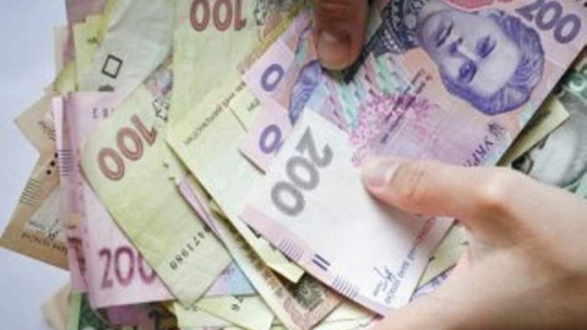 Винахідливо, але незаконно: на Одещині чоловік 44 рази поповнив собі рахунок однією купюрою