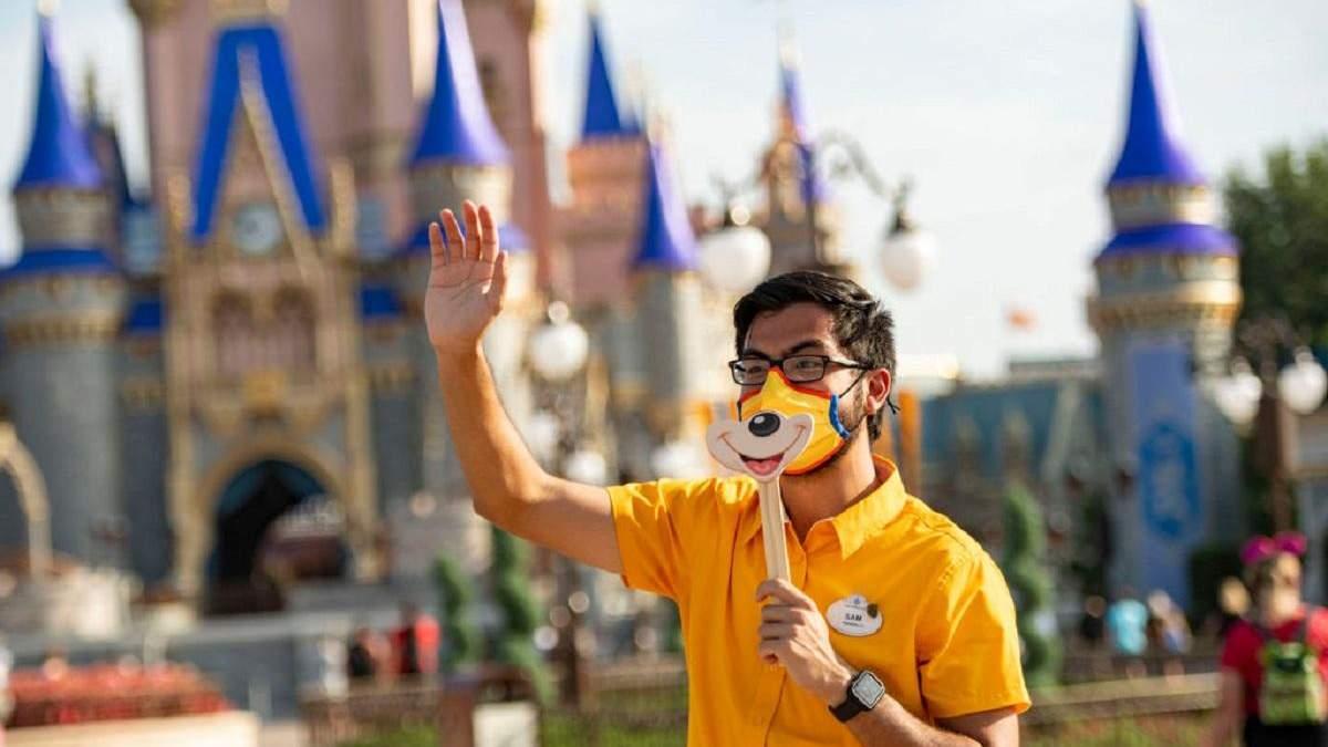 У Disney World заборонили їсти на ходу через коронавірус