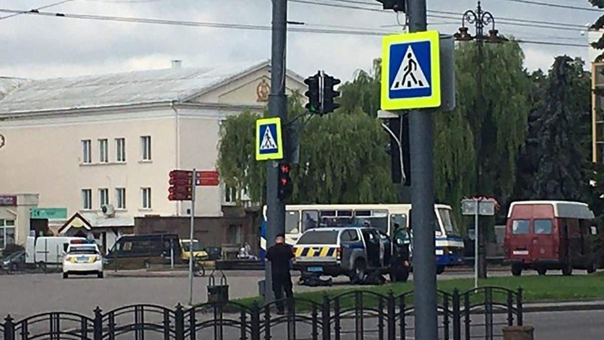 У центрі Луцька захопили автобус із заручниками 21 липня 2020
