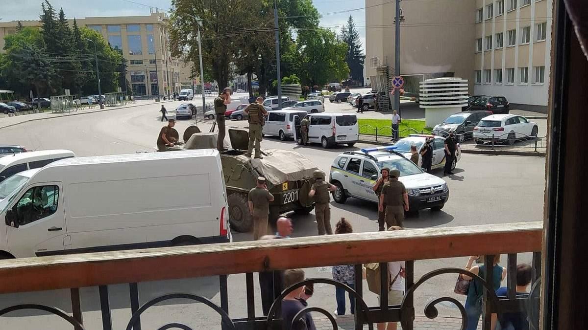 Луцкого террориста задержали: фото и видео штурма