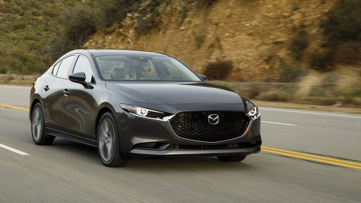 Нова версія Mazda 3 – фото, обзор кросовера, переваги