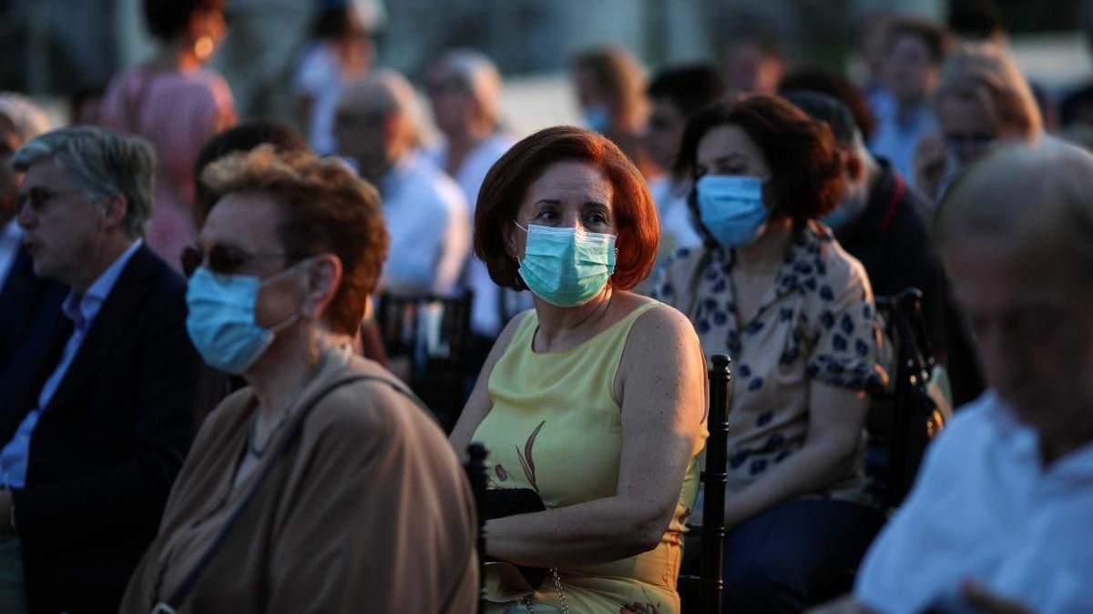 Як і в Україні, збільшення інфікованих COVID-19 американців підриває відновлення ринку праці США