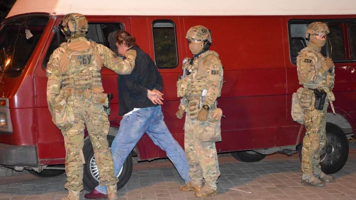 Угрожал, а водителя приковал наручниками, – интервью с заложником луцкого террориста