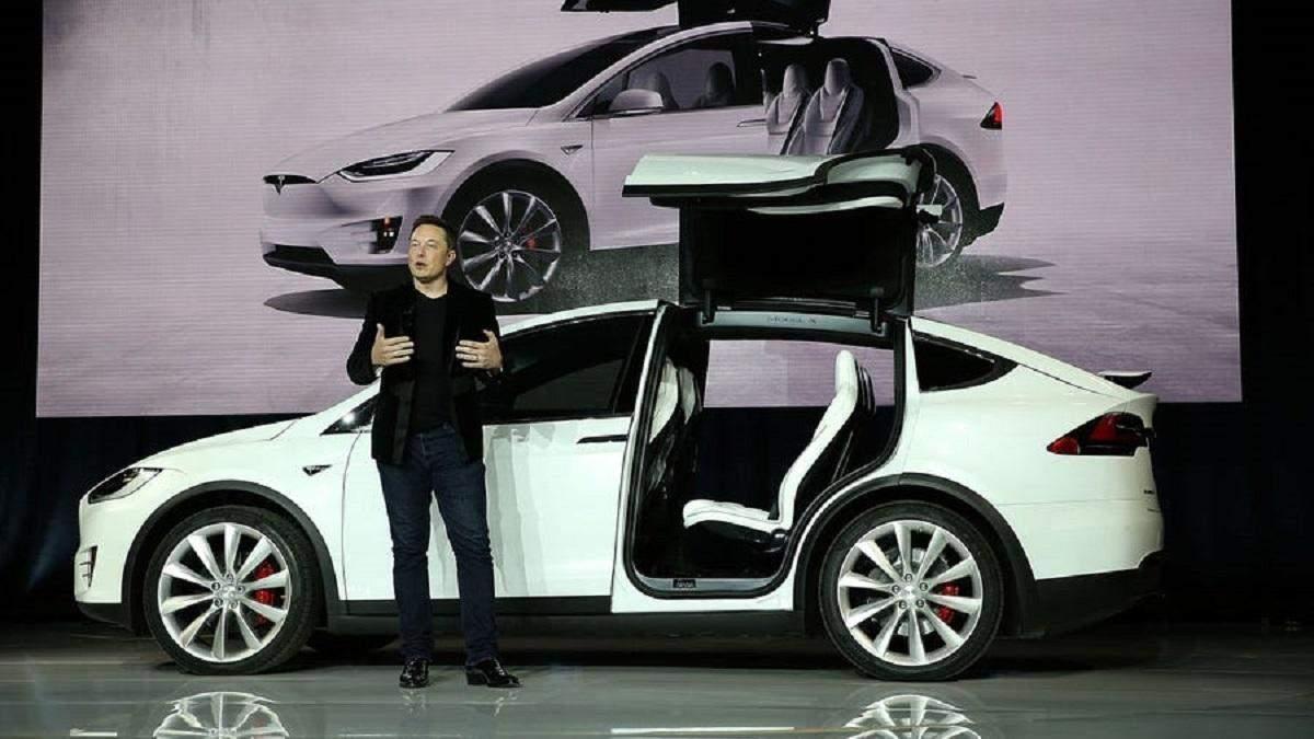 Tesla запустить власний страховий бізнес