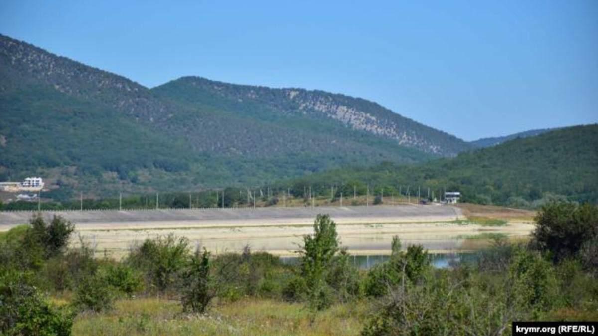 В Крыму стремительно мелеет Чернореченское водохранилище: фото