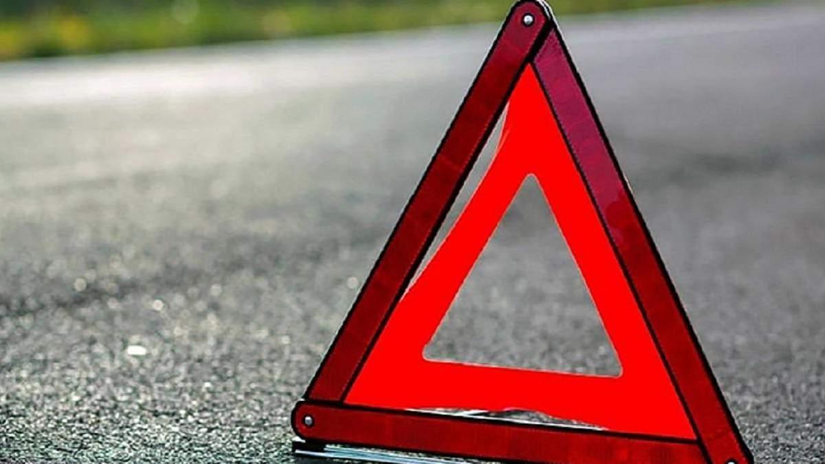 На Львівщині поліцейський наїхав на чоловіка і втік з місця ДТП