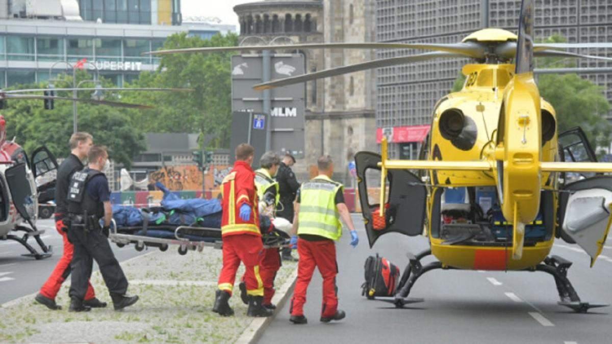 У Берліні авто в'їхало у натовп 26 липня 2020: є постраждалі - фото
