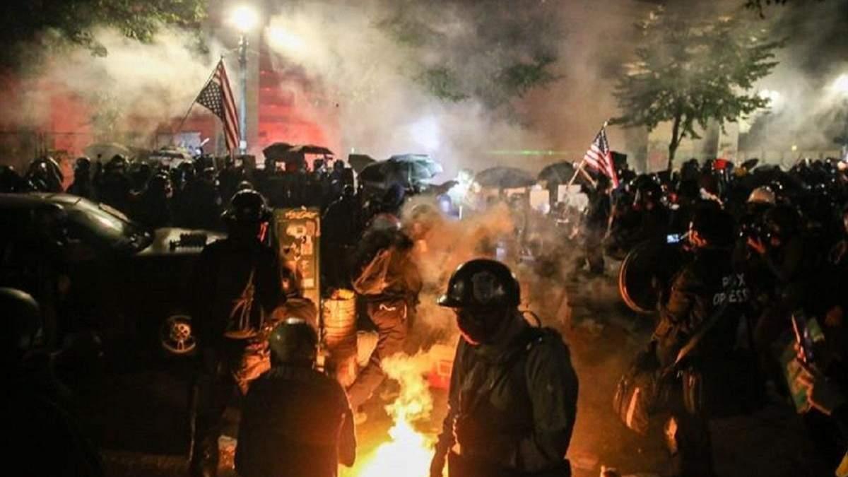 У Портленді протести: поліція застосувала сльозогінний газ