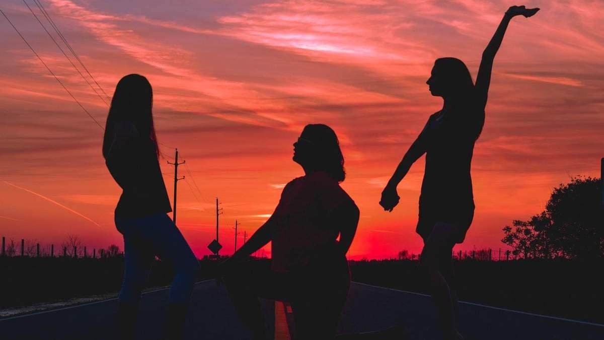 Хто відчуває себе щасливішим: самотні люди чи пари