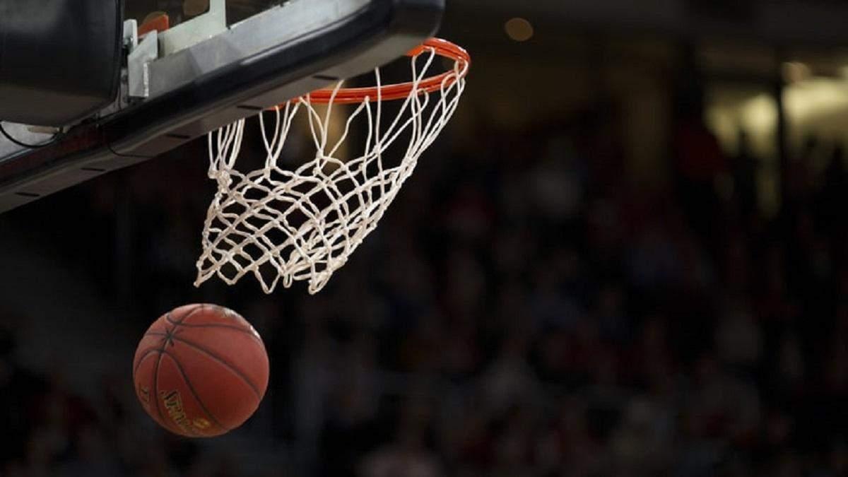 """""""Похід"""" ЛеБрона і виступ українця в """"бульбашці"""": п'ять причин стежити за рестартом сезону НБА"""