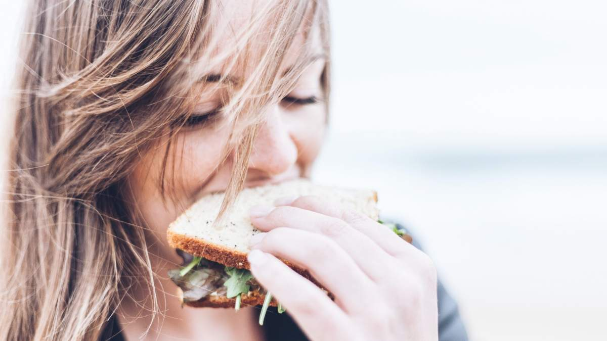Як схуднути без дієти та спорту: правила інтуїтивного харчування