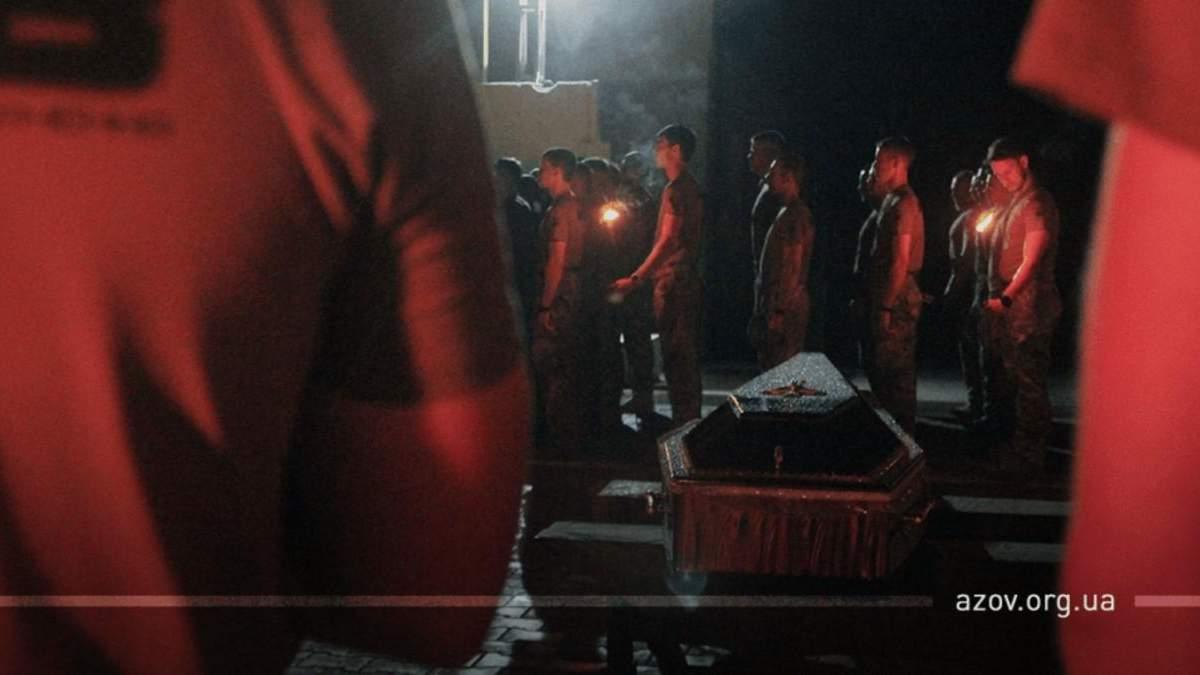 """У Запоріжжі попрощалися з бійцем """"Азову"""", який помер після жорстокого побиття"""