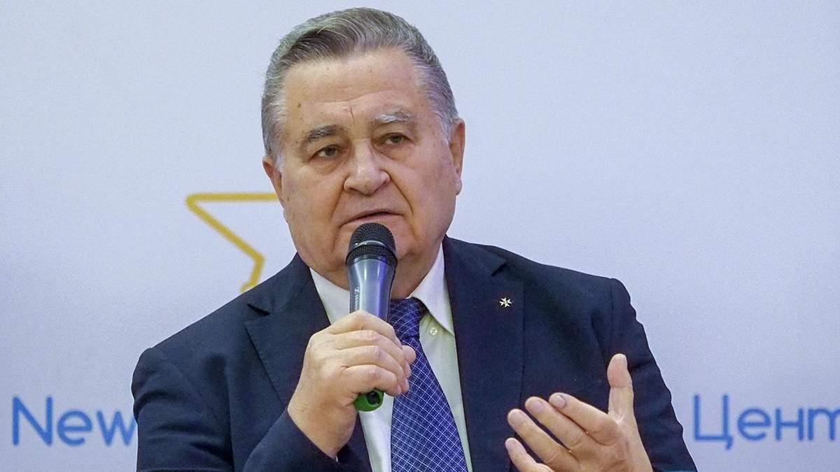 Хто стане наступником Кучми у ТКГ: політолог назвав ще одне ім'я