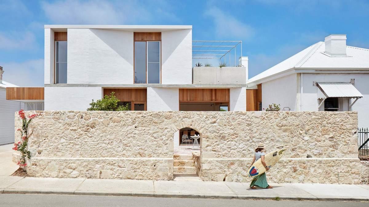 Дом выполнен в средиземноморском стиле