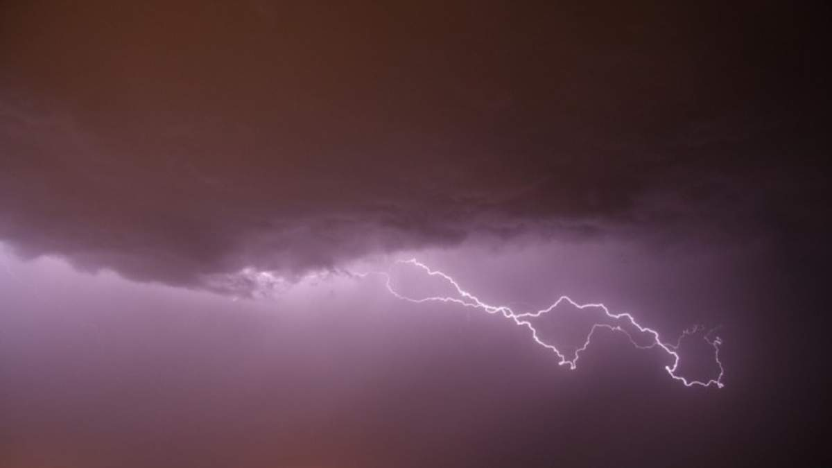 В Атлантичному океані сформувався шторм Ісаіас: яким країнам загрожує