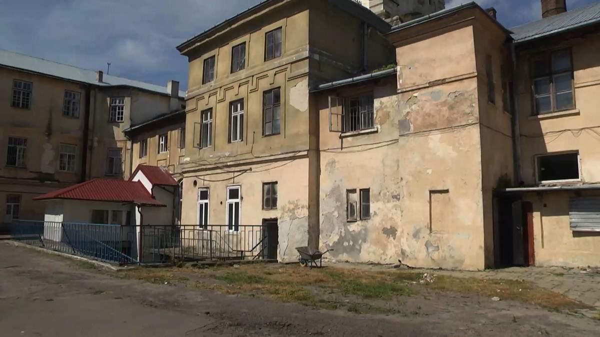Уникальная швейная фабрика: во Львове создают предприятие для ВИЧ-инфицированных женщин