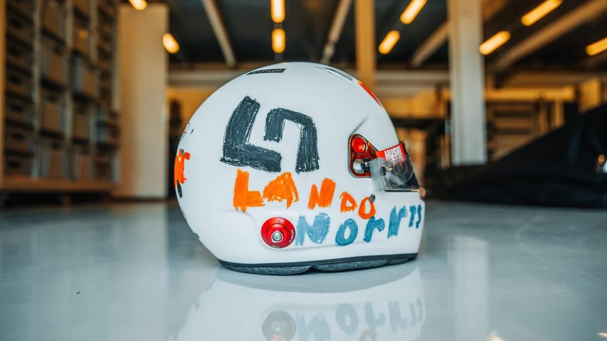 Дизайн шлема Ландо Норриса