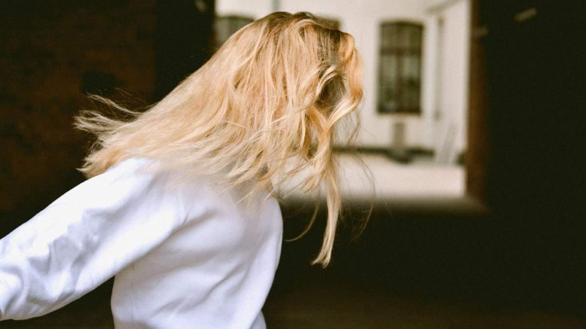 Как блондинкам ухаживать за светлыми волосами: правила