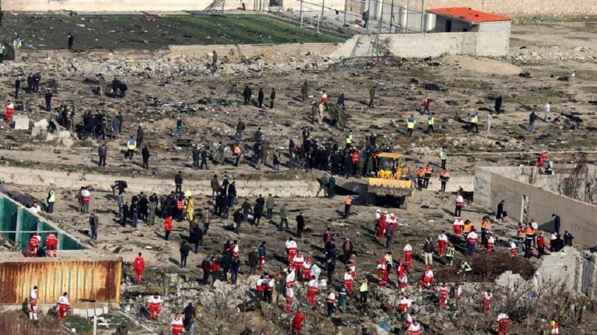 Родственники жертв авиакатастрофы МАУ хотят расследования сбития самолета вместо компенсации
