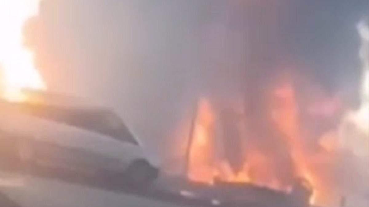 В России на АЗС произошел взрыв 31 июля 2020: есть пострадавшие - видео