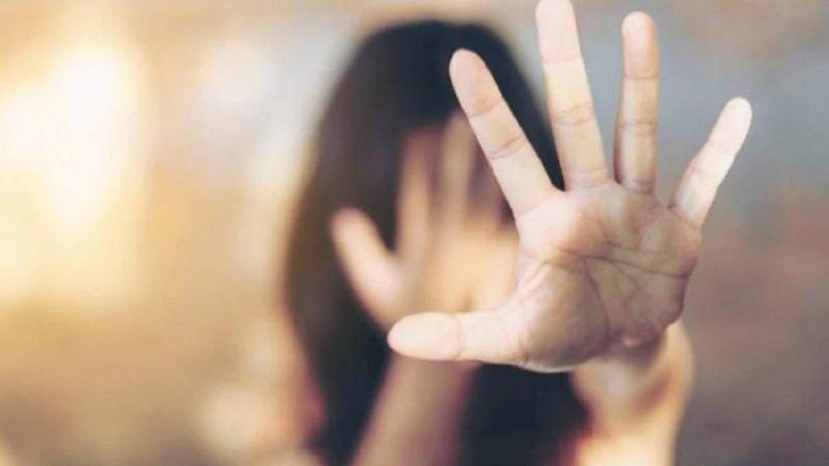 Избиение 12-летней девушки