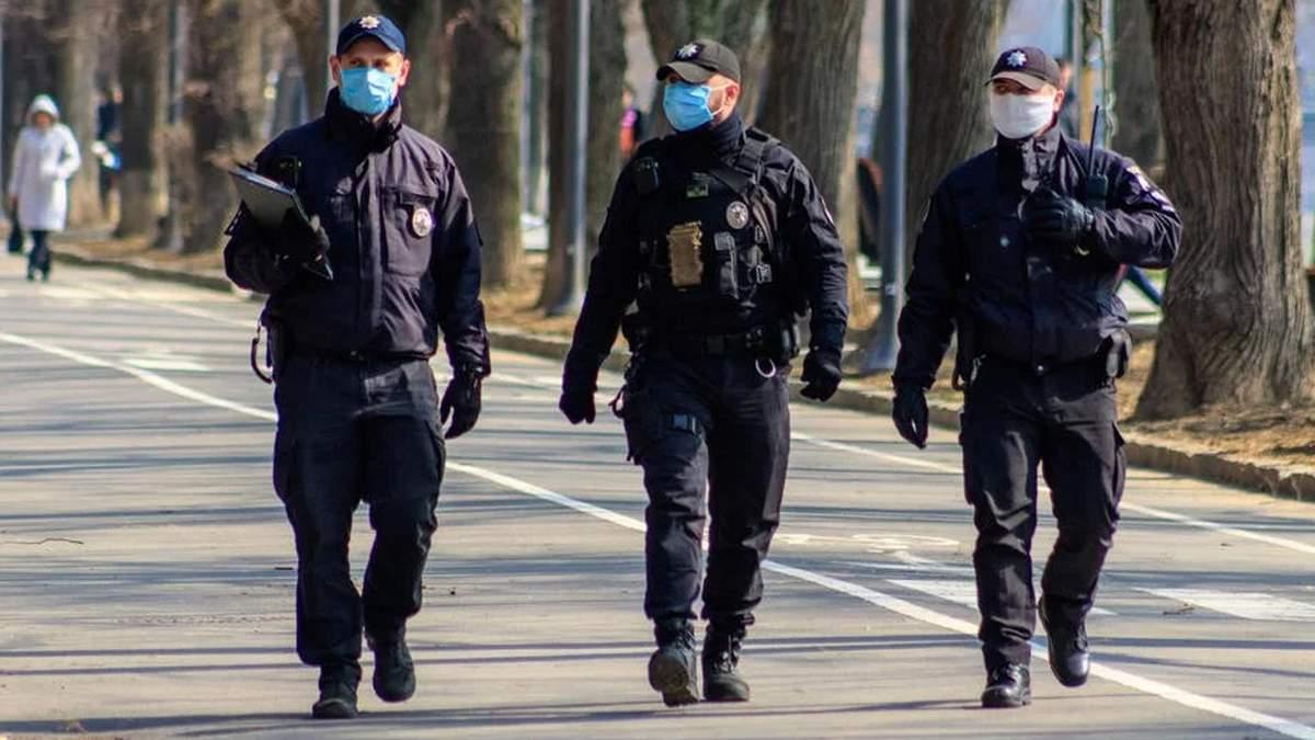 Всі забули про маски: у Харкові просять поліцію посилити контроль за дотриманням карантину